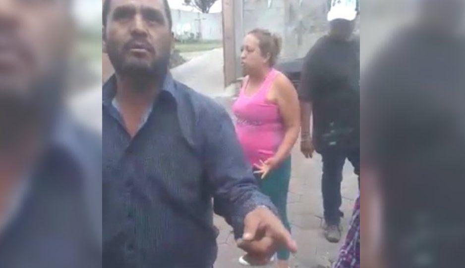 VIDEO: Fuerte pelea entre piperos por la clientela