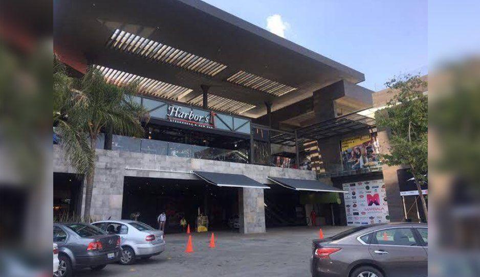 ¡Regresan los ladrones colombianos a la Atlixcáyotl! Asaltan a empresario en Plaza Marsala de Angelópolis