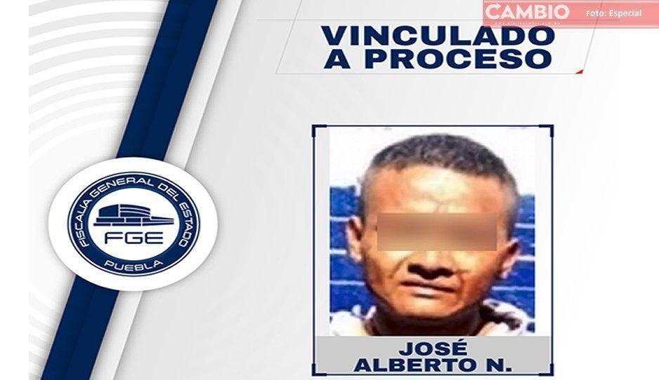 #HéroesSinCapa: Hijo rescata a su madre de violador en Tehuacán