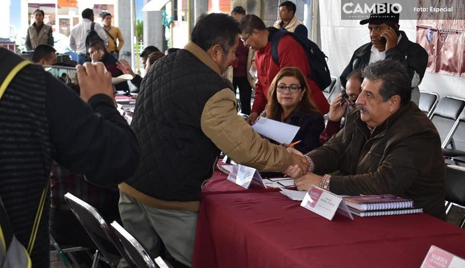 Gustavo Vargas recibe a sus gobernados  en martes ciudadano en Huauchinango