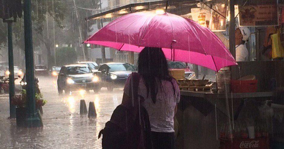 Llueve en CDMX, en Coapa hasta cae granizo (VIDEO)