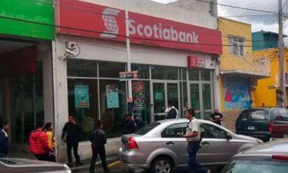 Asaltan sucursal bancaria en el centro de Texmelucan