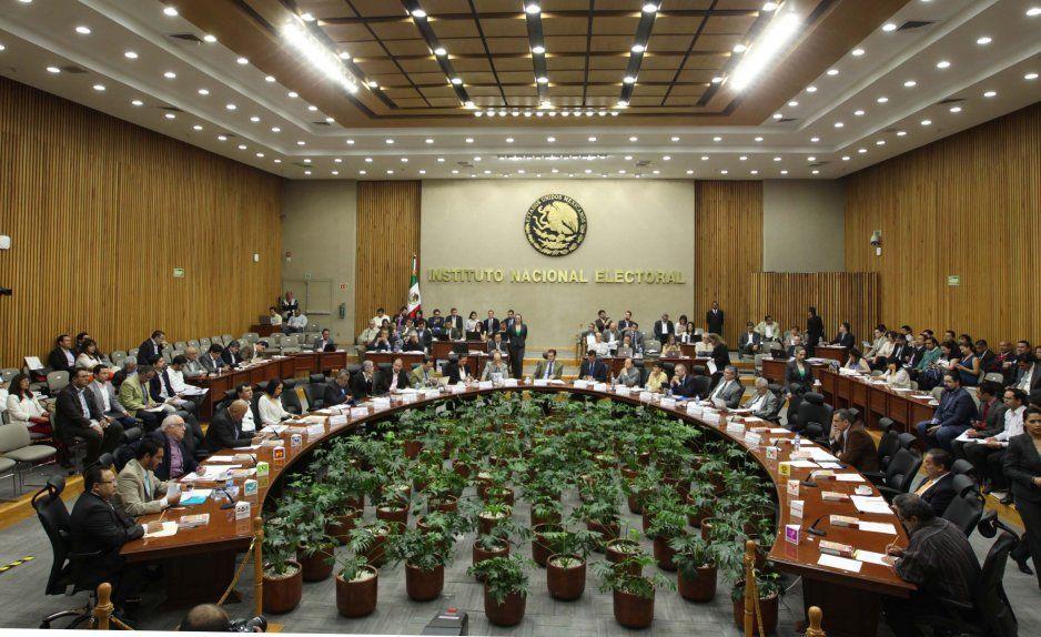 INE aprueba asunción total de elecciones extraordinarias a gobernador y de 5 ayuntamientos de Puebla