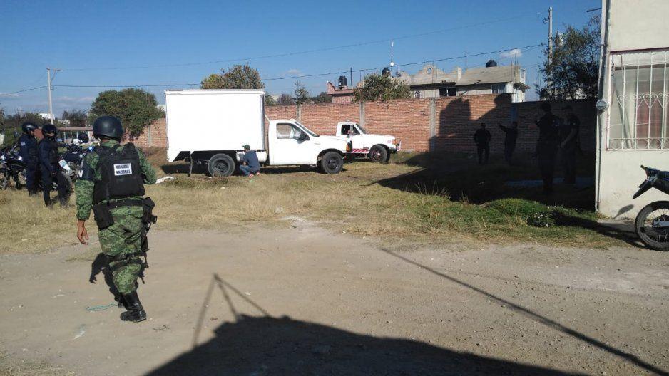 Policías y GN recuperan dos unidades en Texmelucan tras balacera