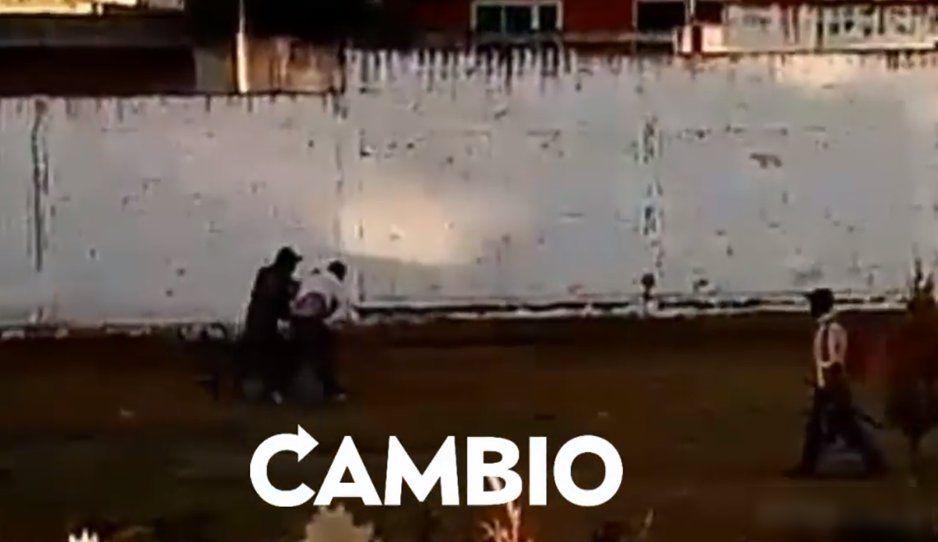 Vecinos de Amozoc detienen a rata hondureña que golpeó a una mujer (VIDEO)