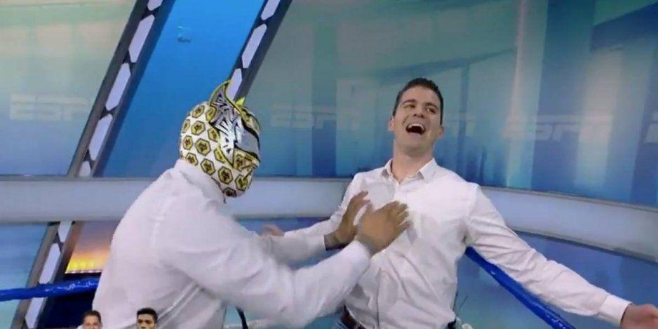 Sin Cara propina brutal golpe a Sergio Dipp (VIDEO)