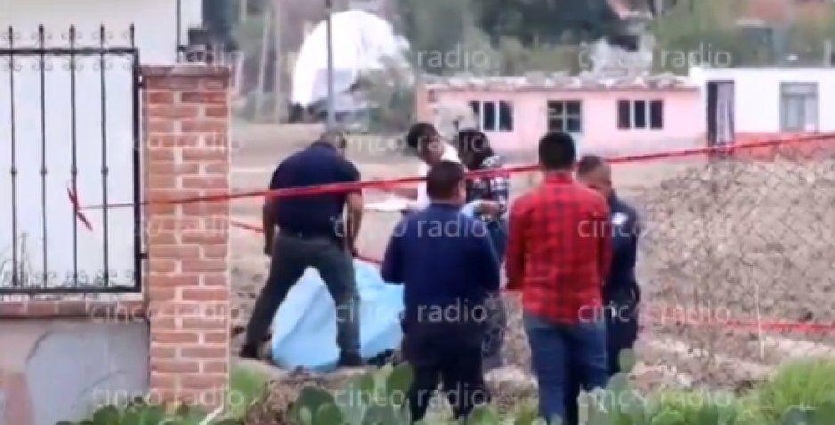Tres asaltantes roban un Uber, dos logran escapar pero uno es linchado por vecinos de Cholula (VIDEO)