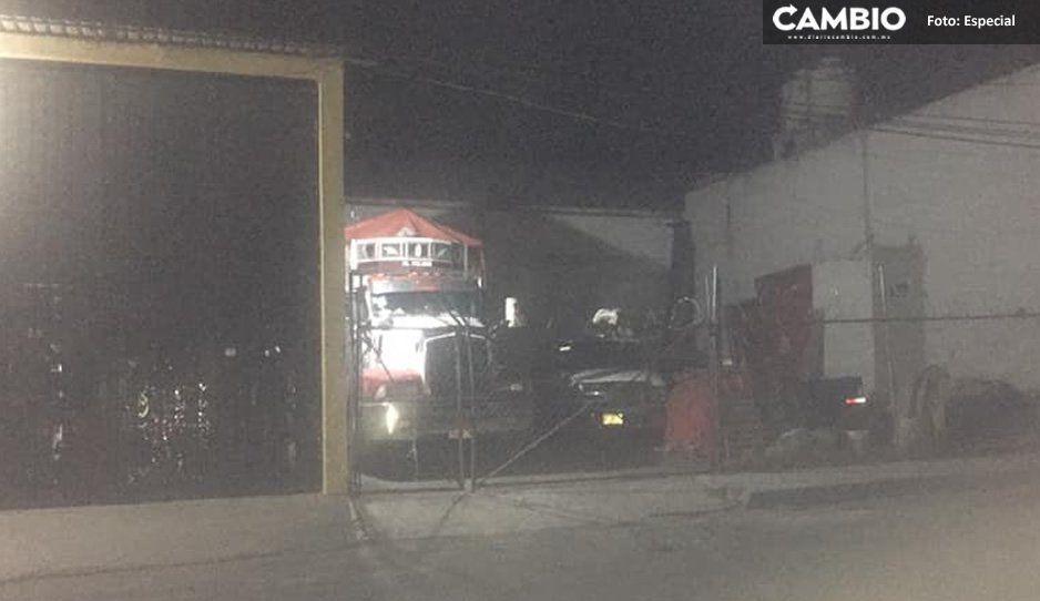 Delincuentes desatan el pánico en Ciudad Serdán tras abrir fuego durante robo de camión