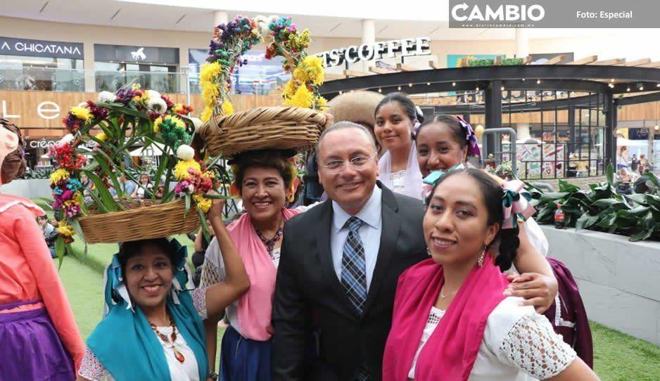 Memo Velázquez invita a turistas poblanos a visitar Atlixco con un tradicional convite