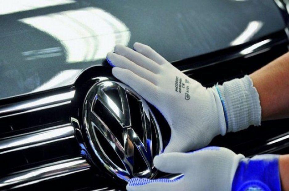 Volkswagen es demandado por mentir sobre emisiones de contaminantes de sus autos