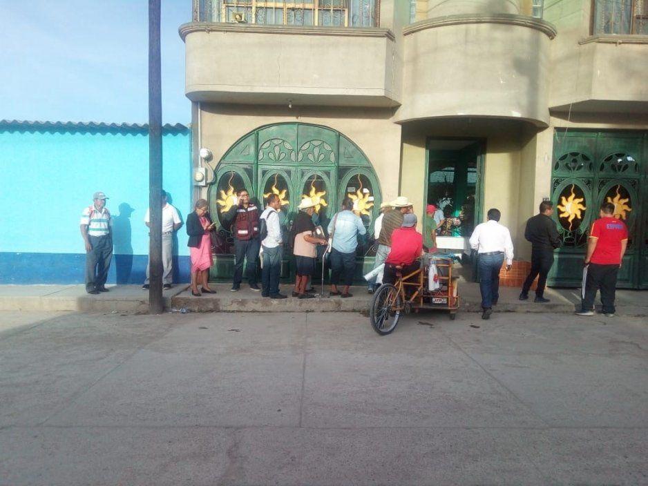 Reportan malas prácticas en congreso distrital de Morena en Acatlán