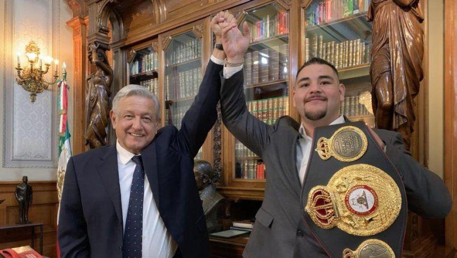AMLO construirá escuelas gratuitas de box en todo México