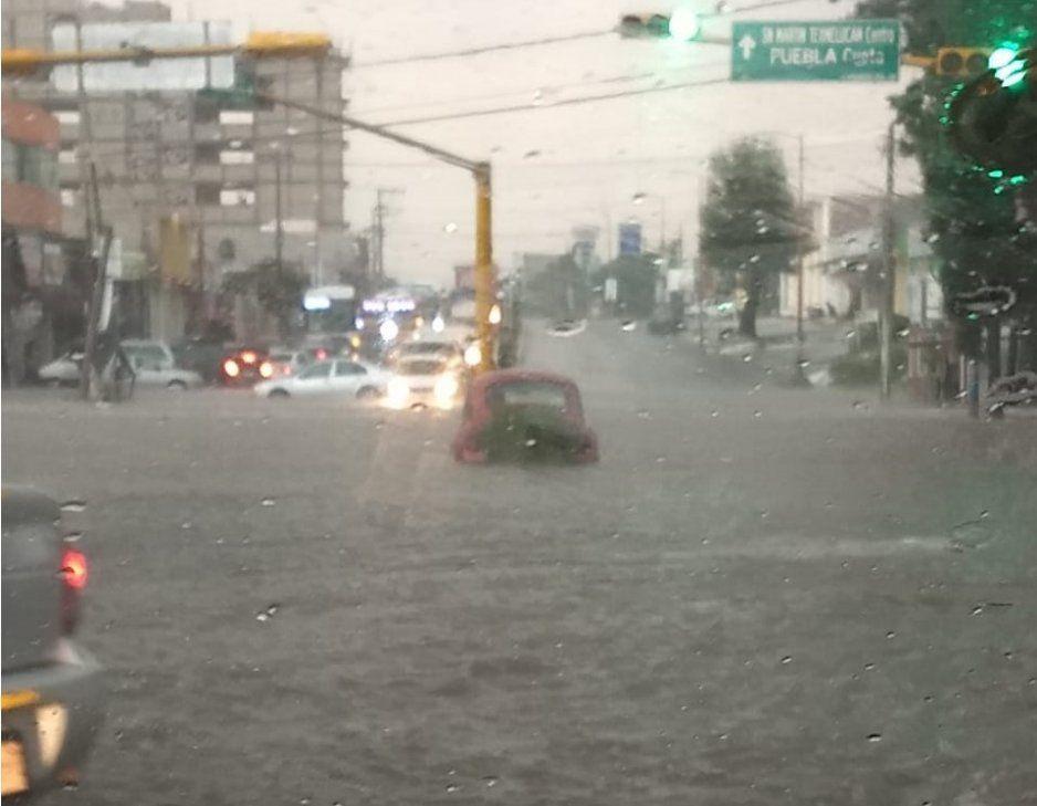 Texmelucan se convierte en Venecia tras tremendo aguacero: los autos nadan entre las calles (FOTOS y VIDEO)