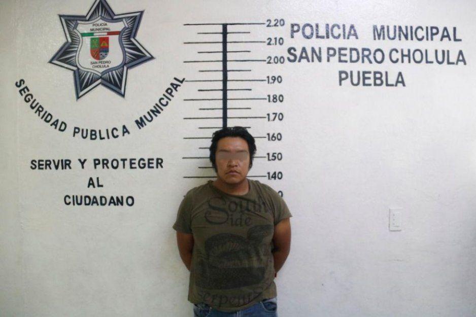 Detiene policía de San Pedro Cholula a hombre con arma hechiza; tiene antecedentes penales