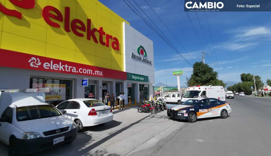 Se llevan 100 mil pesos en electrónicos en violento asalto a Elektra de Caleras