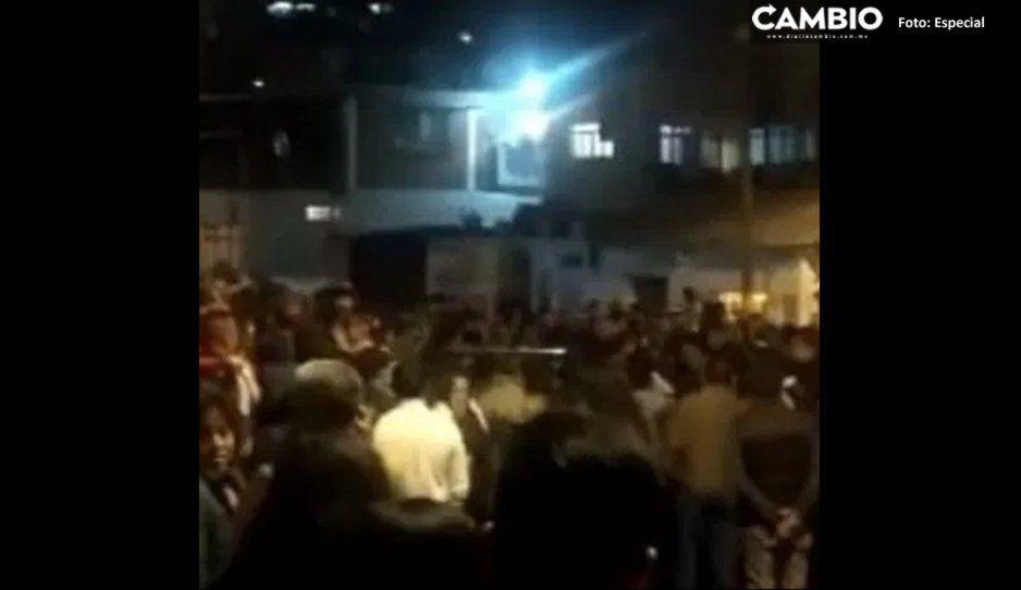 Vecinos capturan a dos delincuentes en Momoxpan