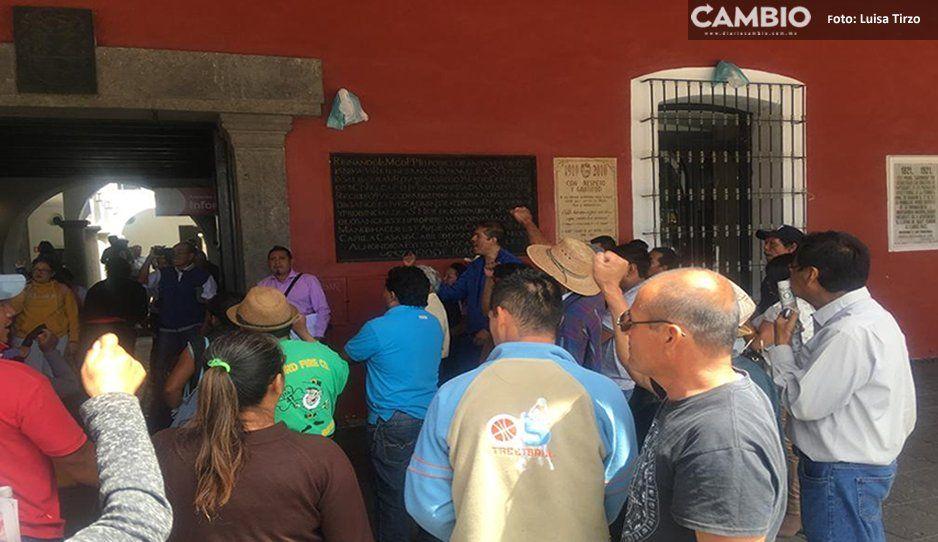 Protestan contra Arriaga por incumplimiento de promesas (VIDEO)