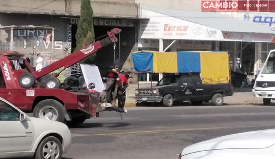 ¿Y los policías? Vecinos frustran atraco de camión en Texmelucan