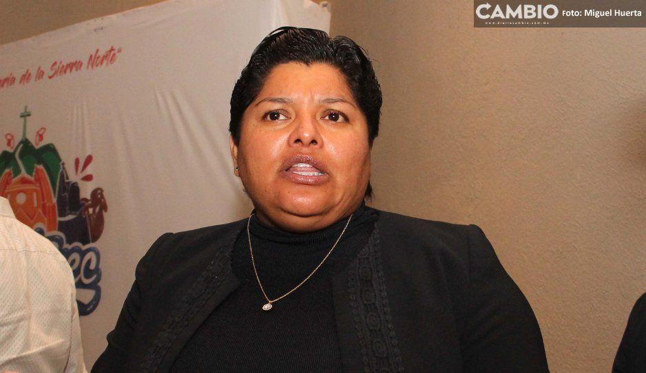 Karina Pérez olvida austeridad y contrata  seguros de vida para todos sus burócratas