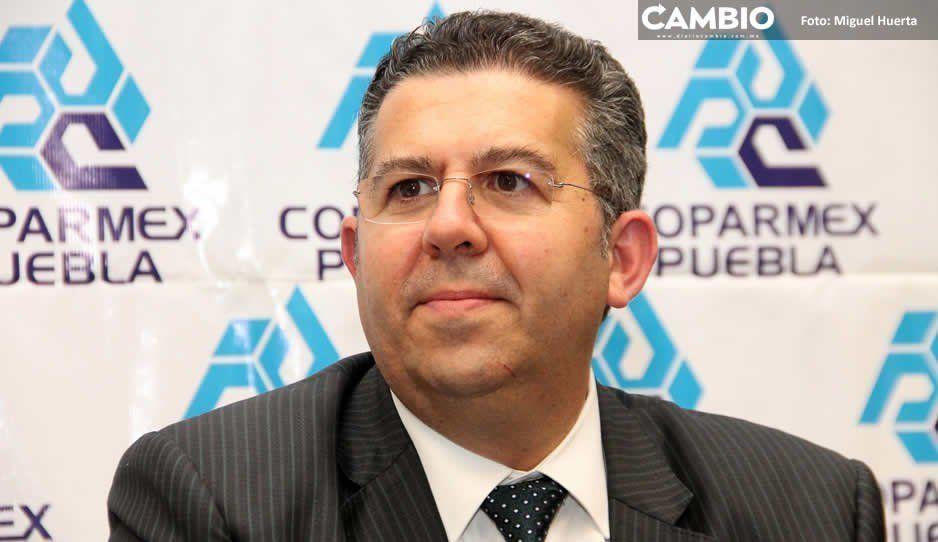 Otra vez Fernando Treviño se lanza vs Barbosa: ahora critica reemplacamiento