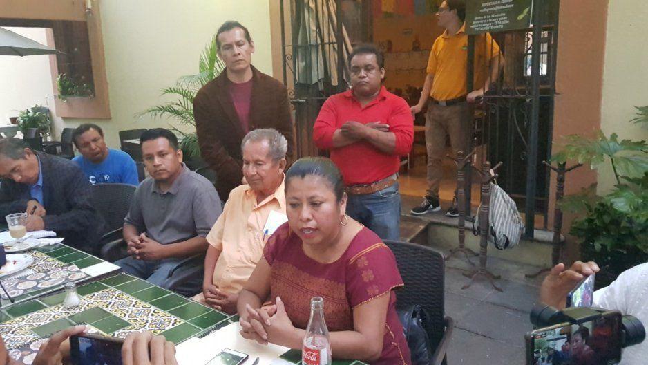 Inés Parra acusa al presidente de Coyomeapan por reventar la asamblea de Morena