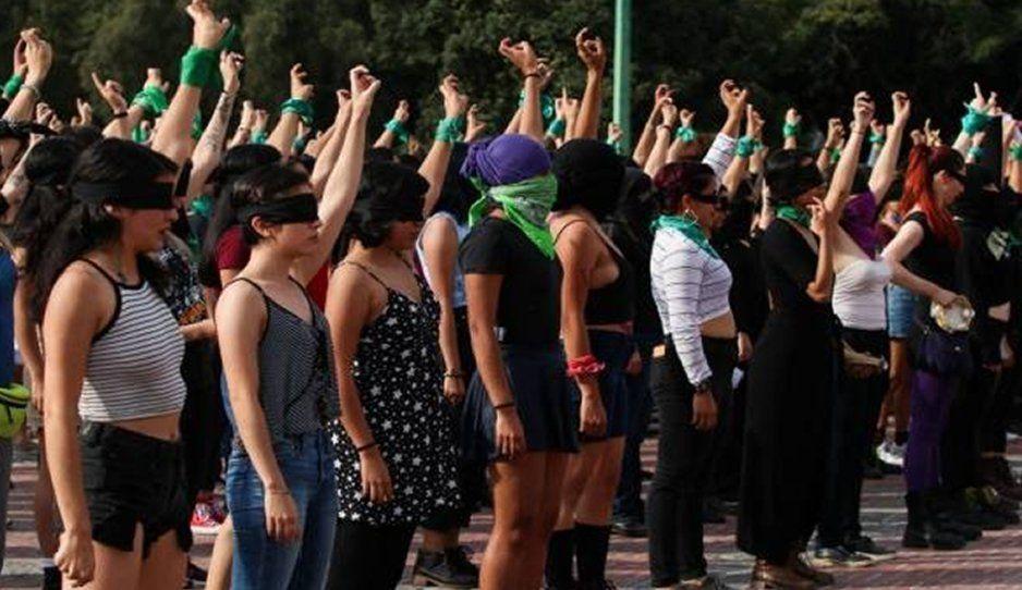 Feministas realizarán manifestaciones fuera del Estadio Azteca por burla de jugadores