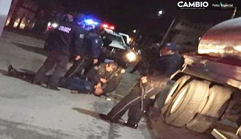 Policía de Amozoc resulta lesionado, tras salir volando de la batea (VIDEO)