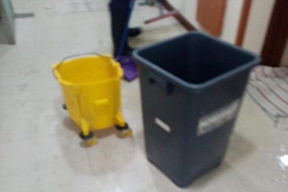 ¡Lo que faltaba! Ahora orines y fuga de agua en hospital del IMSS