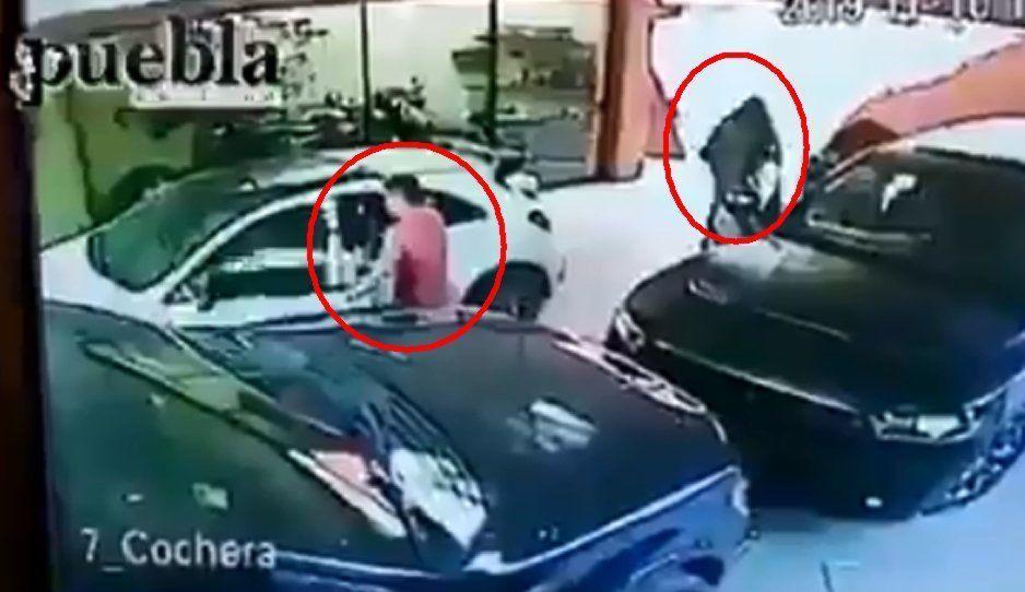 VIDEO: Con pistola en mano ingresan a robar una casa en Santa Cruz Buenavista