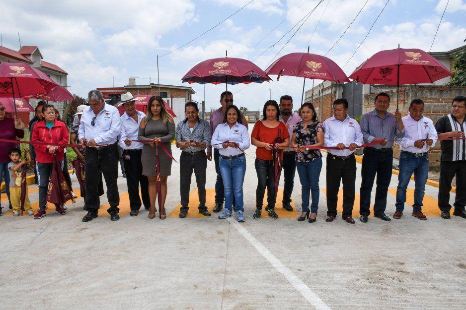 Presidenta municipal de Cuautlancingo inaugura la pavimentación de la calle Benito Juárez