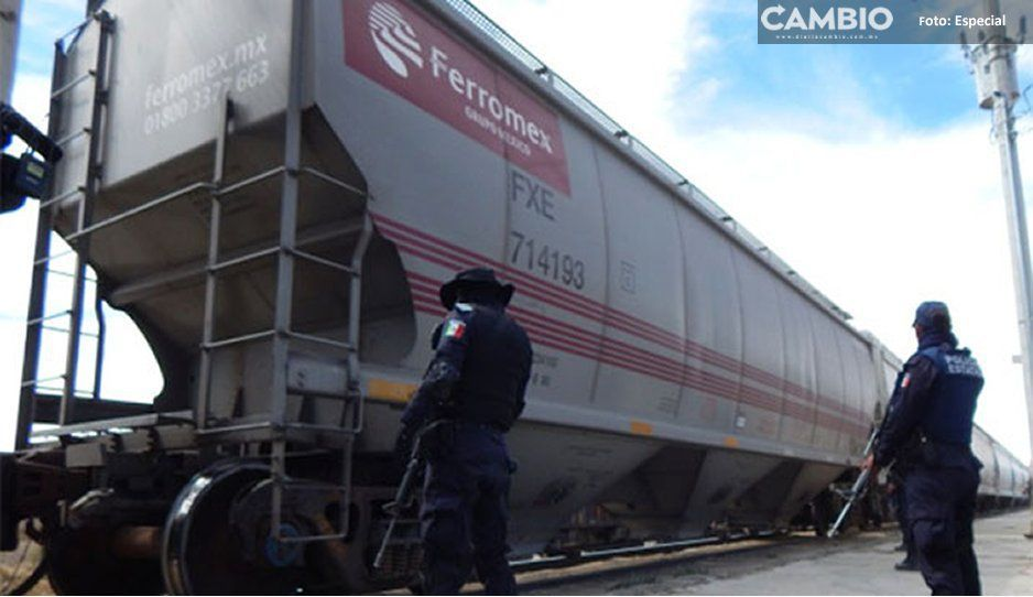 ¡Lo vuelven a hacer! Saqueadores roban cemento de tren en Tepeaca