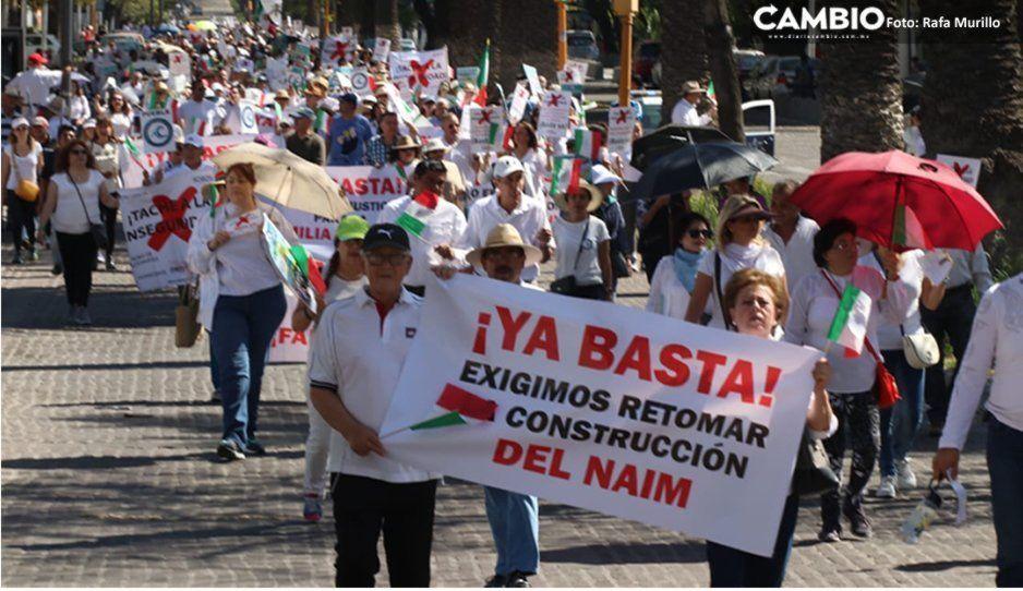Panistas y poblanos se suman a la marcha contra AMLO a un año de Gobierno