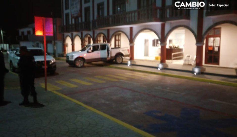 Dos policías heridos tras frustrar robo en la presidencia de Coronango; ladrones huyeron a bordo de patrulla (FOTOS)