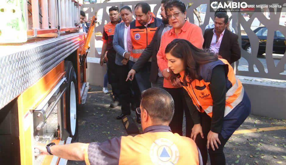 Claudia entrega a Protección Civil cuatro vehículos para combatir incendios
