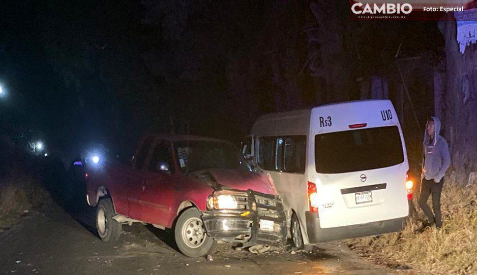 Choque de combi y camioneta deja cuatro heridos en Huejotzingo
