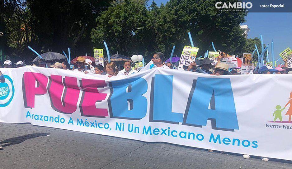 Mi mamá dijo sí, por eso estoy aquí: así marcha el Frente Nacional por la Familia en Puebla