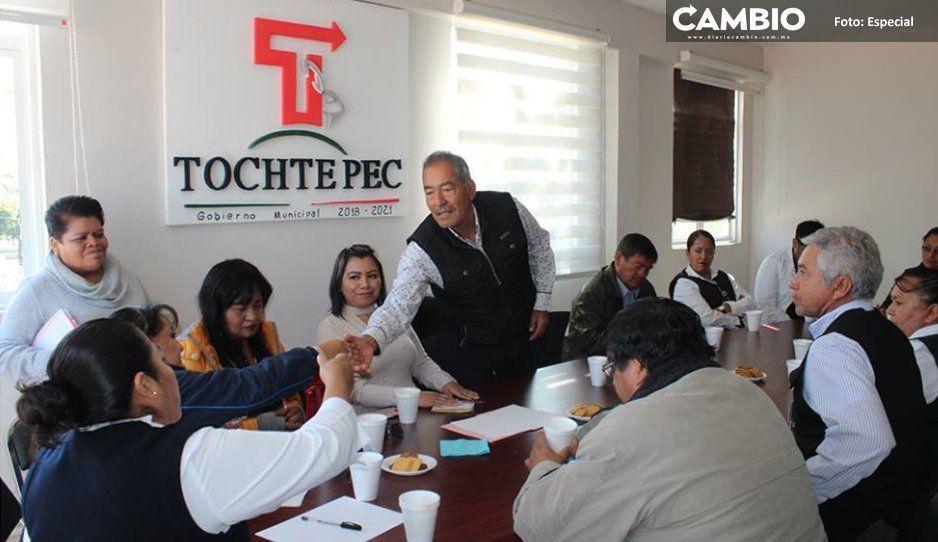 Empresa de edil de Tochtepec adeuda  al municipio 30 mil pesos de permisos