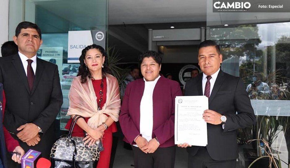 Síndico de Karina Pérez viola la ley al  promoverse con logo del Ayuntamiento