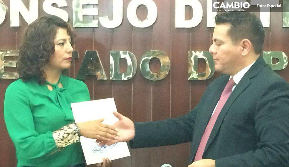 Entrega INE constancia de mayoría como presidenta electa de Mazapiltepec a Gabriela Marín