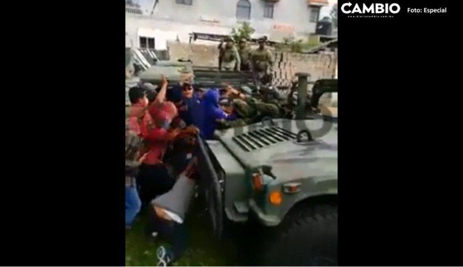 Soldados fueron agredidos en Acajete mientras resguardaban bodega; descartan muertos tras enfrentamiento: SSP