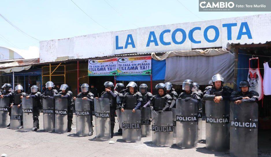 Policías estatales, municipales y el Ejército realizan fuerte operativo en el mercado de la Acocota