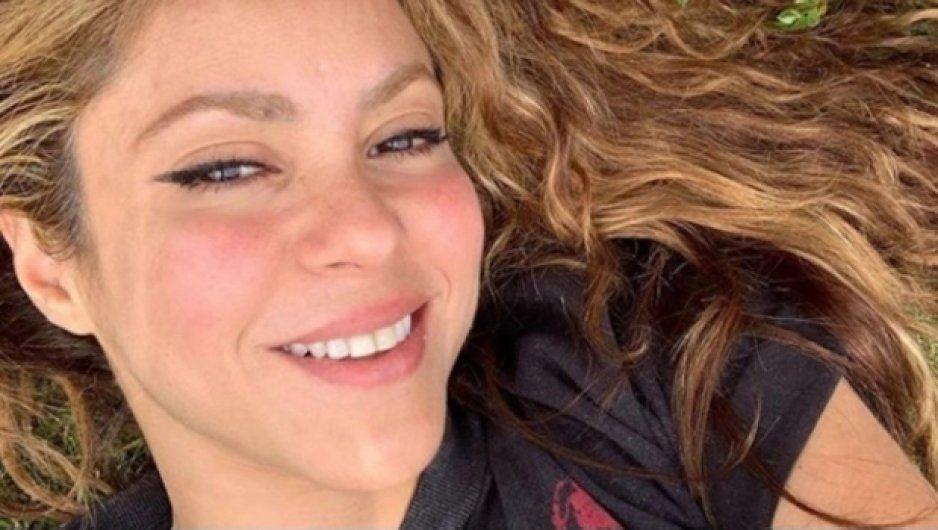 Shakira manda emotivo mensaje tras la muerte de su ex suegro Fernando de la Rúa