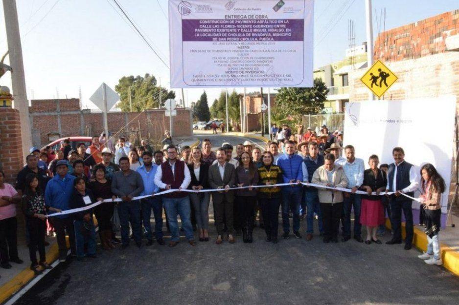 Entrega Luis Alberto Arriaga obras de infraestructura urbana en San Pedro Cholula