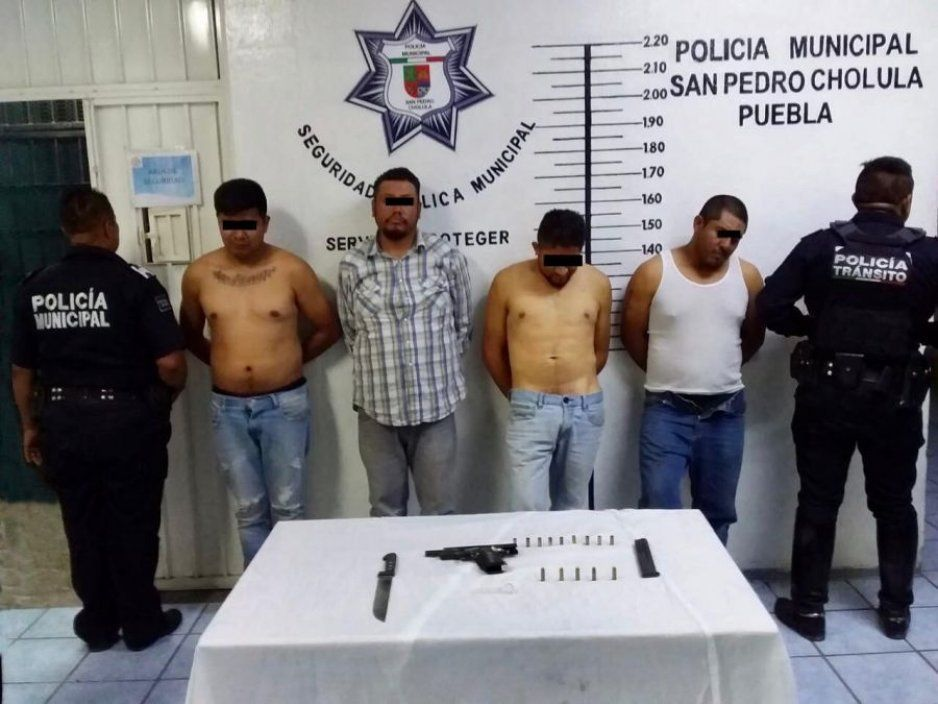 Detiene policía de San Pedro Cholula a 4 hombres por portación ilegal de arma de fuego