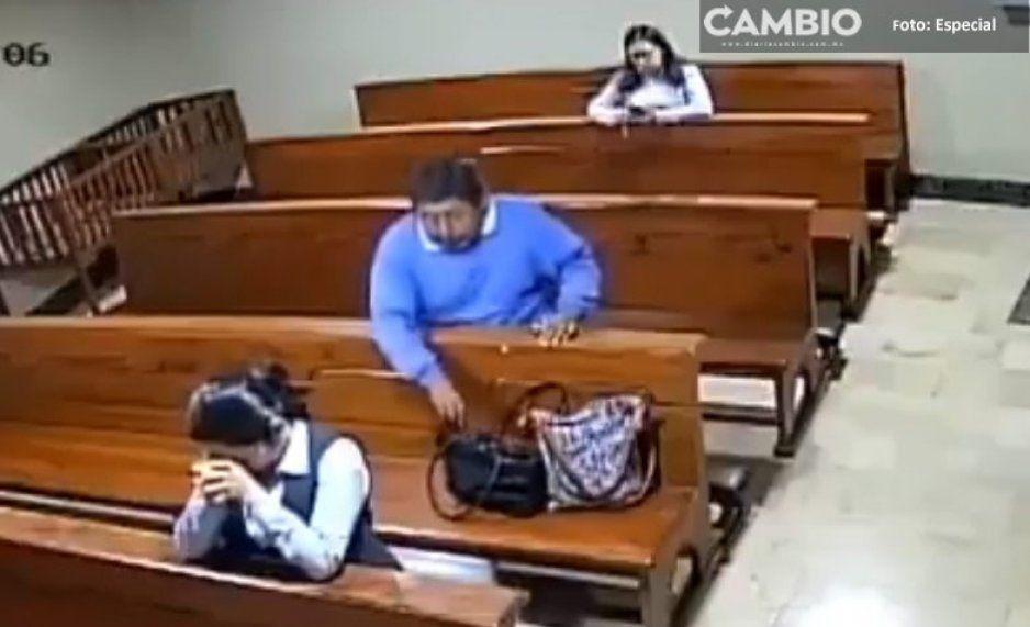 ¡Judas se quedó corto! Hombre roba celular mientras su víctima rezaba (VIDEO)