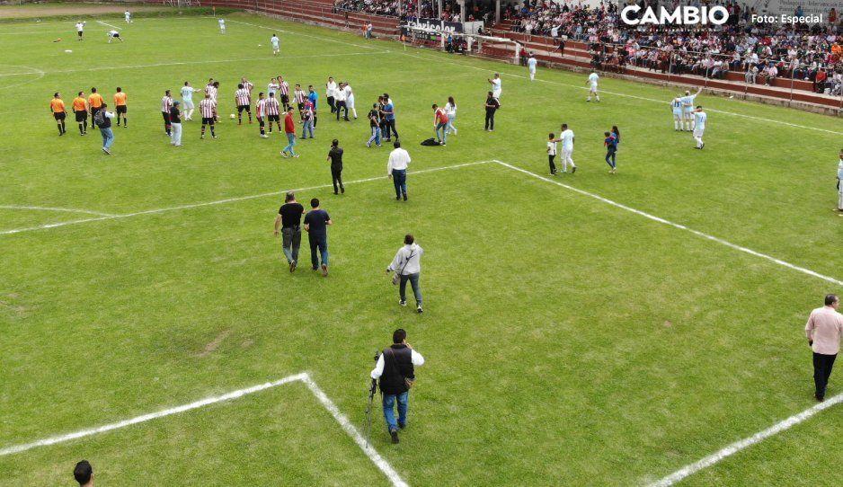 Carlos Peredo prevé construcción de  10 canchas deportivas en Teziutlán