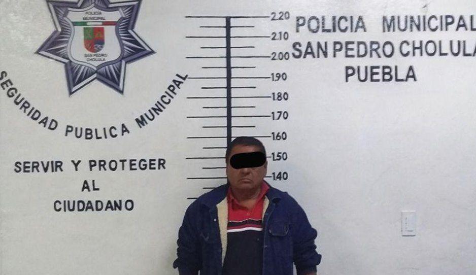 Recupera policía de San Pedro Cholula tractocamión robado; hay un detenido