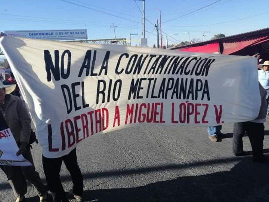 Pobladores de Zacatepec realizan cierres parciales en la federal México - Puebla