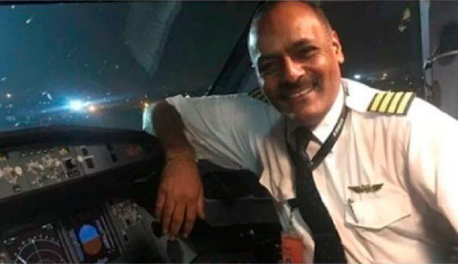 Intenta librarse de filas en aeropuerto disfrazándose de piloto y es detenido