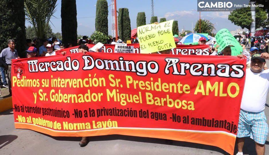 Reciben a AMLO entre protestas en San Martín Texmelucan (FOTOS y VIDEO)